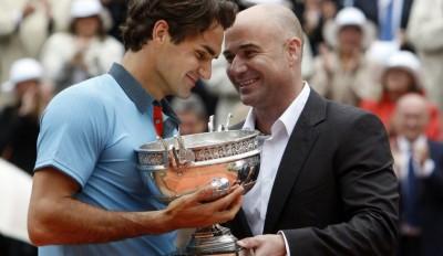 Roger Federer et Andre Agassi, Roland-Garros 2009 (photo DR)