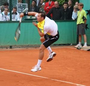 Philipp Kohlschreiber au service (photo Guillaume)