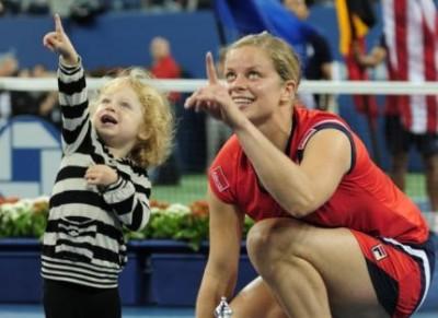 Kim Clijsters et sa fille rient encore du bon coup fait à la WTA (photo DR)