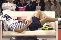 2048x1536-fit_benoit-paire-offert-petite-sieste-lors-changement-cote-lors-2e-tour-tournoi-tokyo-8-octobre-2015