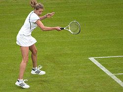 250px-Steffi_Graf_(Wimbledon_2009)_13